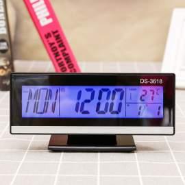Fekete asztali óra és hőmérő hangvezérelt
