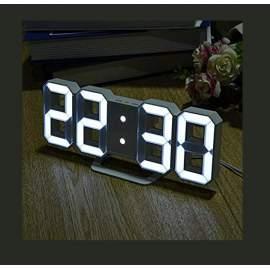 Fehér számkijelzős asztali digitális óra